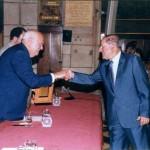Reconeixement a l'empresa centenaria(1865-2002) entregat per el Conseller Sr. Antoni Subirà: